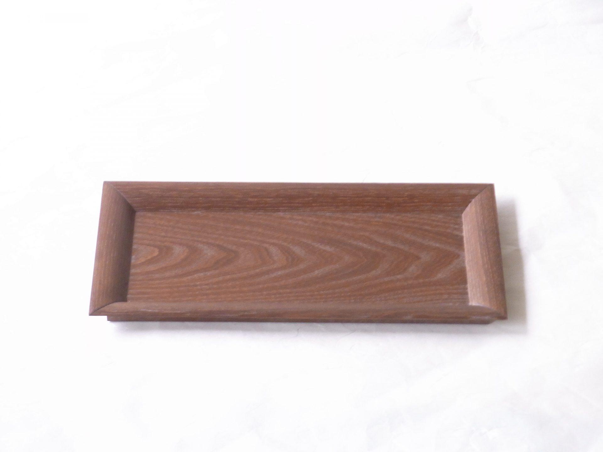 日本製 仙正 女桑 フリートレー 茶杓飾盆 木目が細かい 年輪 盆の中央 木取りにこだわり 磨きしっかり 表面ツルツル 手触りが違う 渕のカーブがシャープ 繊細 木地の加工技術 高い 筆 筆記用具 ちょうどいいサイズ ダイニングテーブルの上 お菓子 飾り物 小物 横長 小ぶりなトレー 様々な使い方が可能 毎日目にする 日常生活 本物 使いたい 日本製 陶器 磁器 陶磁器 漆器 茶道具 華道具 贈り物 ギフト 記念品 引出物 法要 お返し 専門店 リアル店舗 茶の湯 茶道 裏千家 表千家 茶会 月釜 抹茶 高品質 安らぎ いやし よりおいしく 安心 機能的 長持ち 人気 おすすめ 高機能 ネット通販 ネットショップ セレクトショップ 欲しい 購入 買う 買い物 岐阜県 岐阜市 美殿町 小林漆陶 特別な 選び抜かれた 品質重視 使いやすい 格安 老舗 誕生日 結婚 出産 入学 退職 母の日 父の日 敬老の日 クリスマス プレゼント 叙勲 長寿 新築 お祝い 御礼 内祝い 外国土産 海外みやげ 実店舗 創業100年以上 使うと分かる 職人技 日本一の品揃え 日本一の在庫数 専門店 専門知識 数万点の在庫 百貨店(高島屋 三越 伊勢丹 松坂屋 大丸)にない 手作り お洒落 高級品 希少価値 上質な器 伝統工芸品 コスパ お値打ち お買い得 堅牢 飽きない 永く使える お気に入り 国産 料理が映える 満足感 豊かな食生活 豊かな食文化 こだわりの器 日本文化 他にない ここにしかない オリジナル 独自の 個性的 ここでしか買えない 超レアもの 一品もの 現品限り 入手困難 いい器 匠の技 美しい 実用的 外人が喜ぶ店 外人が珍しがる店 外人がうれしい店 日本各地の一級品を売る店 日本全国の器を売る店 本当にいいもの コスパ高い 一流品 修理 選りすぐりの逸品 周年記念 永年勤続表彰 退職記念 卒業記念 日本土産 岐阜土産 岐阜のおみやげ 岐阜の特産品 料理を引き立てる器 高級店 一流店 岐阜で一番 東海で一番 中部で一番 日本で一番 おしゃれな店 地域一番店 実店舗 陶磁器 磁器 華道具 ガラス器 明治42年創業 有田焼 清水焼 美濃焼 赤津焼 万古焼 常滑焼 九谷焼 唐津焼 萩焼 信楽焼 万古焼 砥部焼 備前焼 丹波焼 山中塗 春慶塗 讃岐塗 越前塗 輪島塗 紀州塗 会津塗 小田原木工 桜皮細工 秋田杉 駿河竹細工 七宝焼 南部鉄器 錫製品 江戸切子 津軽びいどろ
