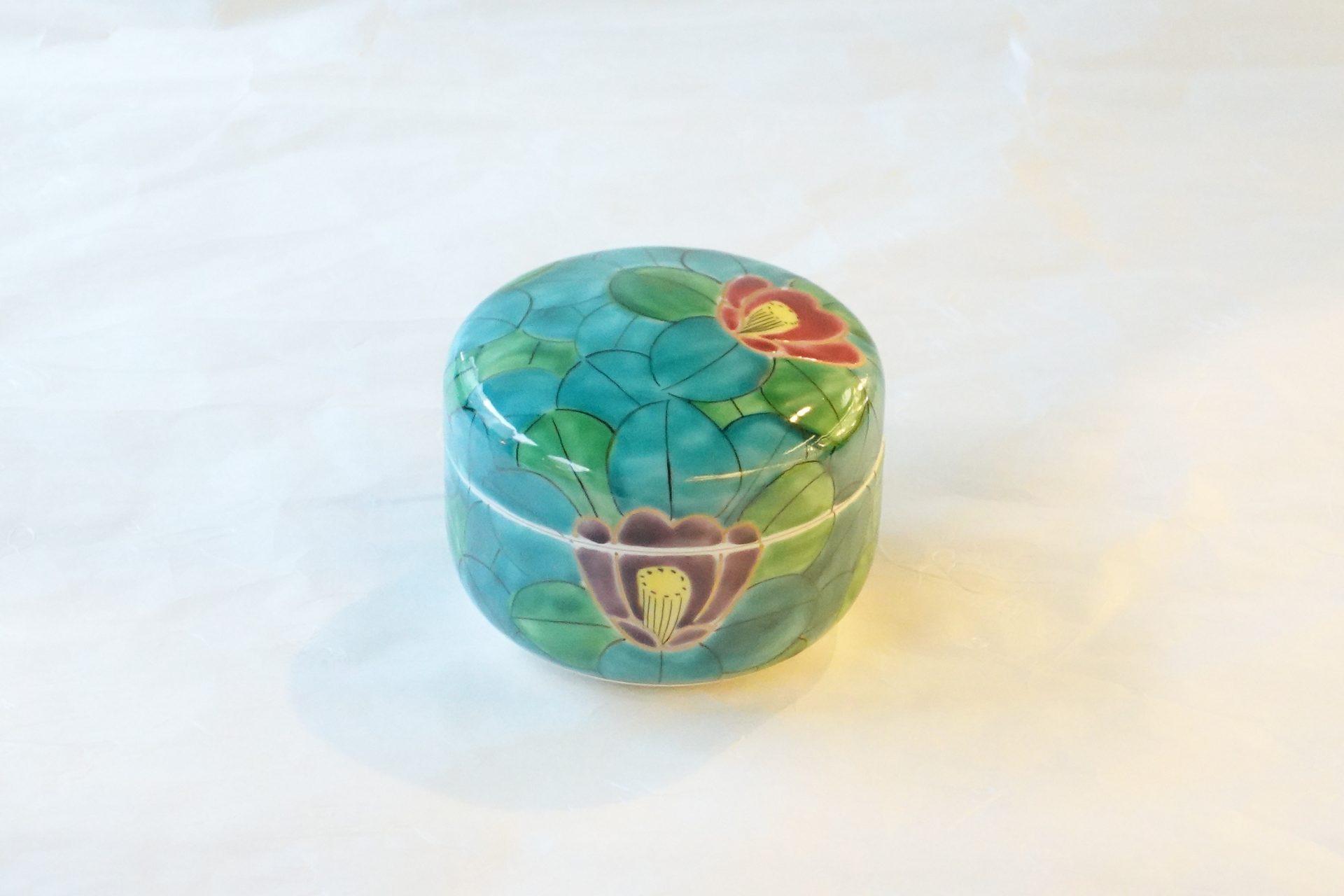 陶磁器 清水焼 手描き 蓋物 椿 びっしり 手間 赤 紫 青 椿の葉 豪華 料理 お菓子 小林漆陶 岐阜市