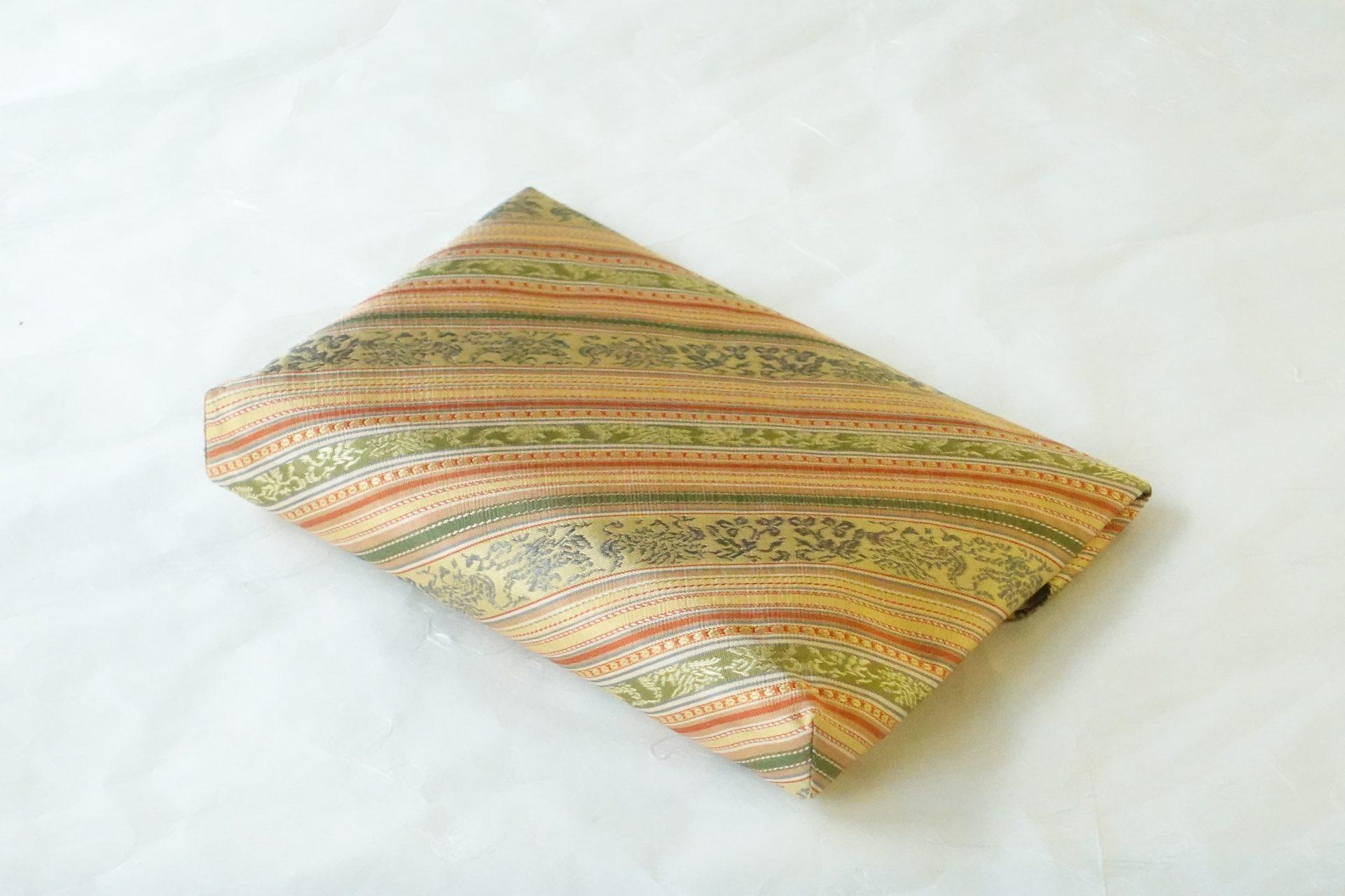 茶道具 茶の湯 茶道 日本製 正絹 数寄屋袋 すきやぶくろ 和装 ハンドバッグ 間道 縞模様 織物 鳳凰 2種類 多種多様な柄 細かい 繊細 手間がかかる 気品がある 絶妙なバランス