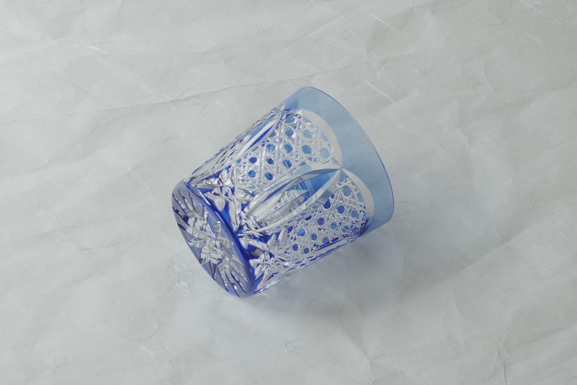 江戸切子 最高級 色被せクリスタルガラス ロックグラス 精密 カット技術 美しい輝き 宮内庁 日本迎賓館 日本大使館 適度な重み 高級感 高い透明度 メイドインジャパン 最高峰 プレミアム 切子グラス