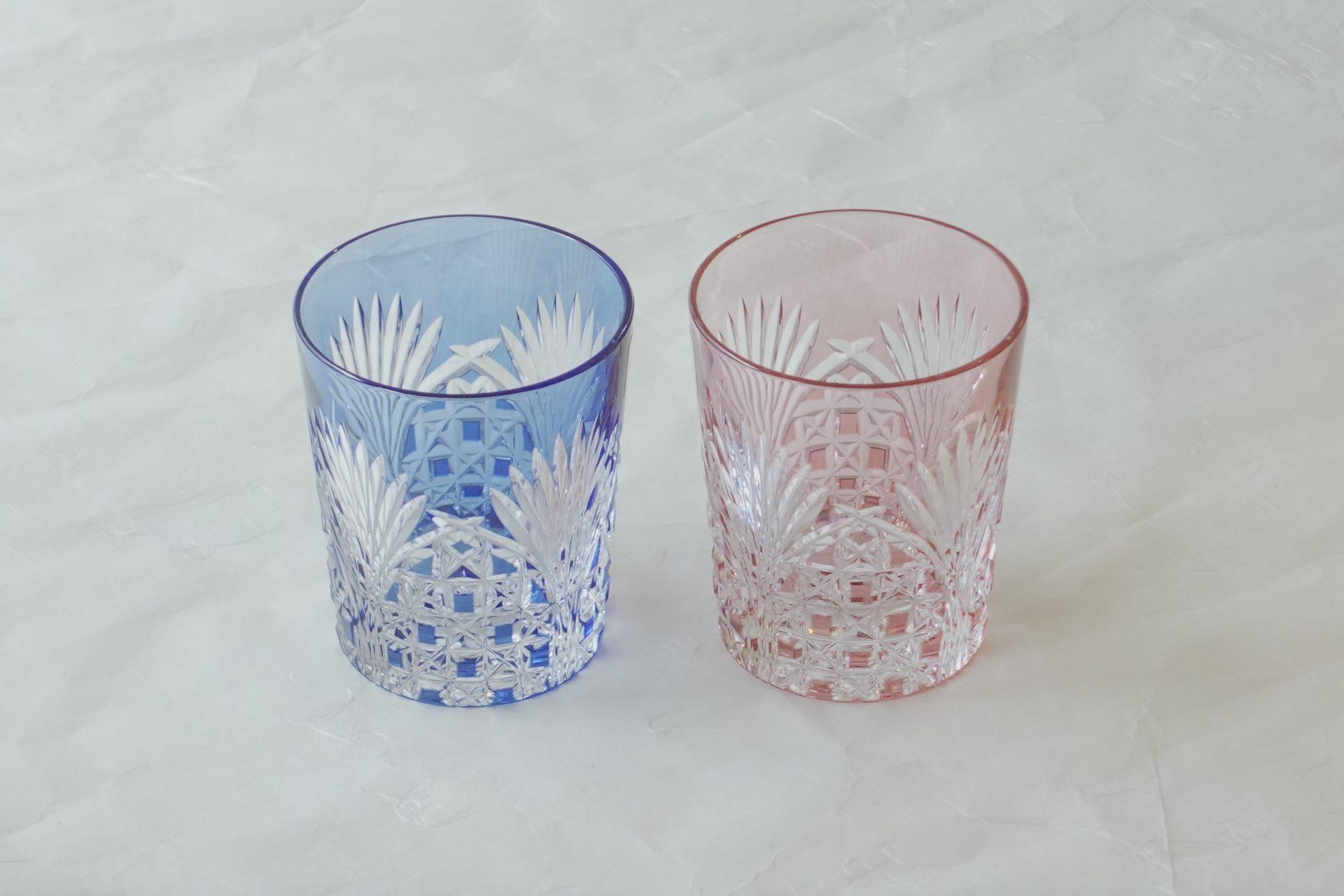 ガラス器 最高級 色被せ クリスタルガラス 江戸切子 ロックグラス ペア カット 彫刻 精密 美しい輝き 最高級グラス 日本が誇る 適度な重み 厳選された素材 高級感 高い透明度 美彩 日本製 メイドインジャパン プレミアム 切子グラス