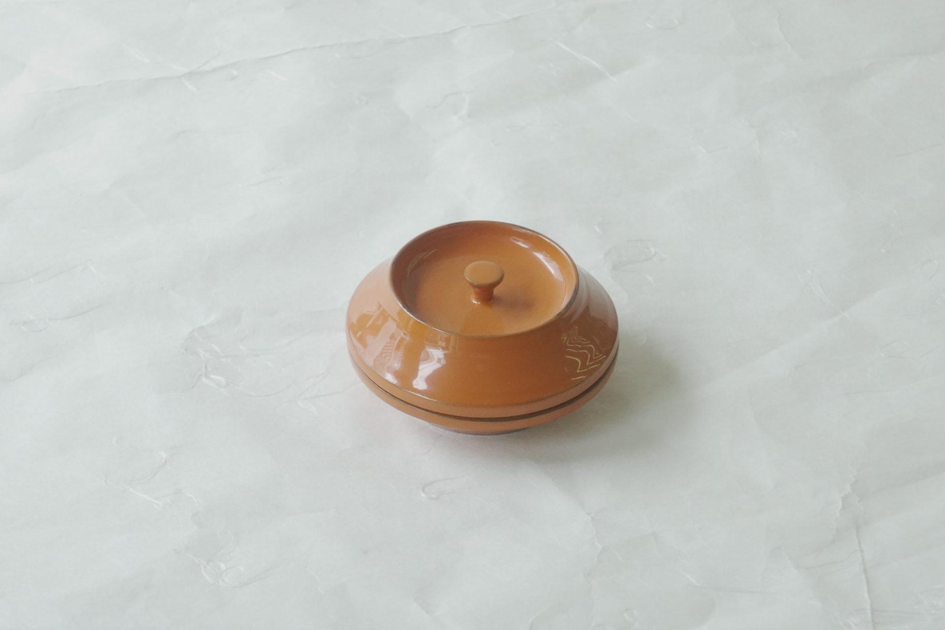 茶道具 茶の湯 茶道 山中塗 漆器 木製 富士型 香合 床の間 風炉 香木 鑑賞の対象 富士山 イメージ 赤富士 根来塗の技法 研ぎ出し うるし塗